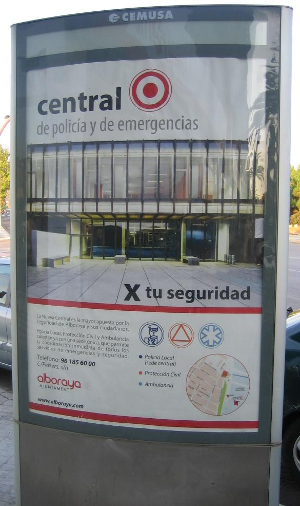 Panell informatiu només en castellà en Alboraia